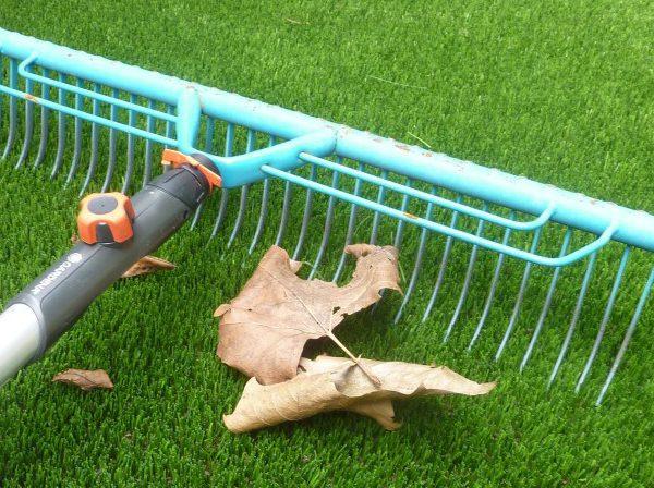 Onderhoud kunstgras herfst