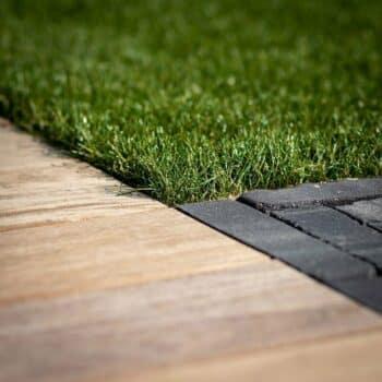 Onderhoudsarme-tuin-met-kunstgras-2